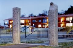 Skulptur i tre delar, väktardjur med ljus